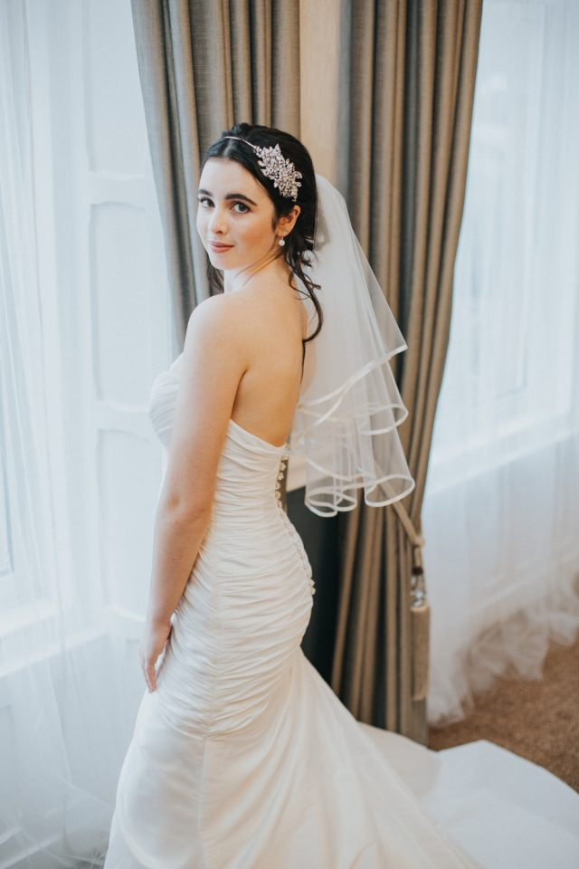 TB18-17 two layer elbow veil with ribbon edge